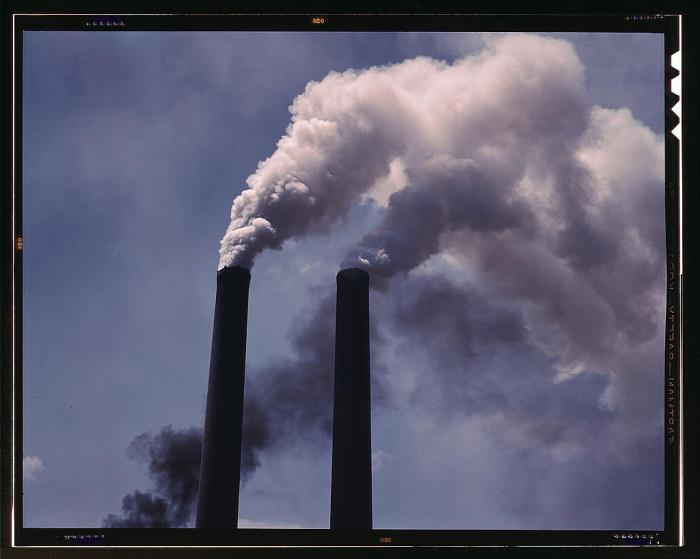 smoke-factory-industry-438236-o