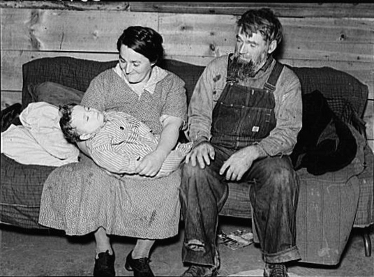 Mennonite_couple_with_baby_Montana_1937