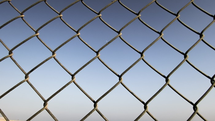 fence-1589985_1920