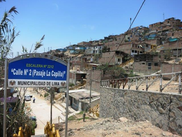 villa-salvador-lima-shantytown-slum-mountain-poverty-peru-52.jpg